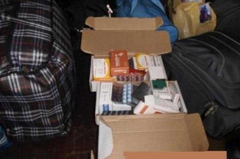 311 упаковок лекарства в сумках пытались пронести через границу в Павлодарской области