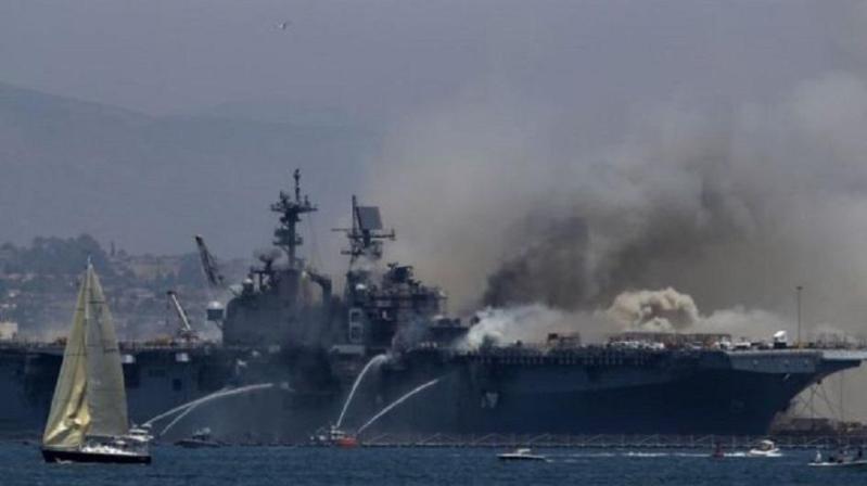 美军两栖攻击舰起火导致21人受伤