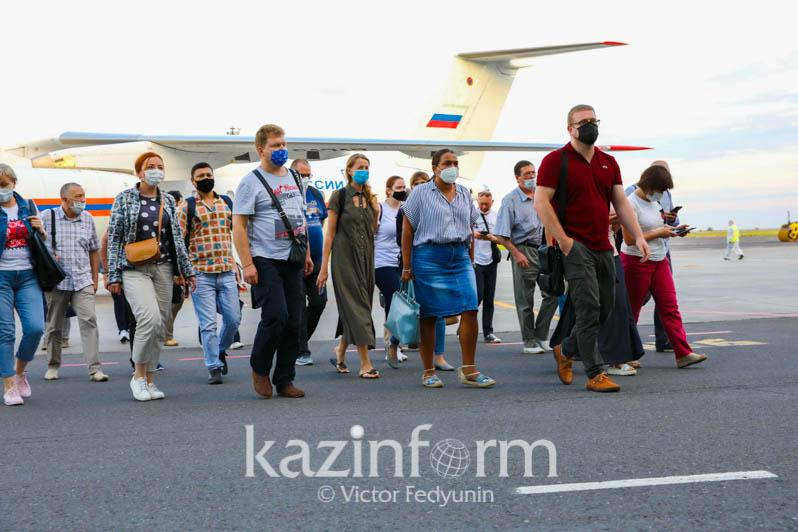 Russian doctors arrive in Atyrau to help fight coronavirus