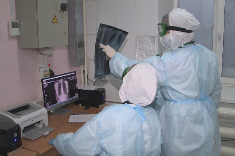 Более 2000 медработников ВКО на передовой в борьбе с коронавирусом
