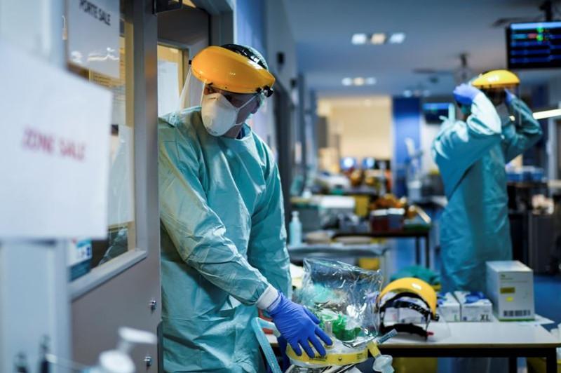 英国第二波疫情或将夺走12万人生命
