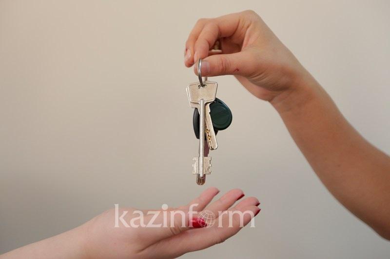 В Шымкенте пять семей получили ключи от домов в жилом массиве Елтай