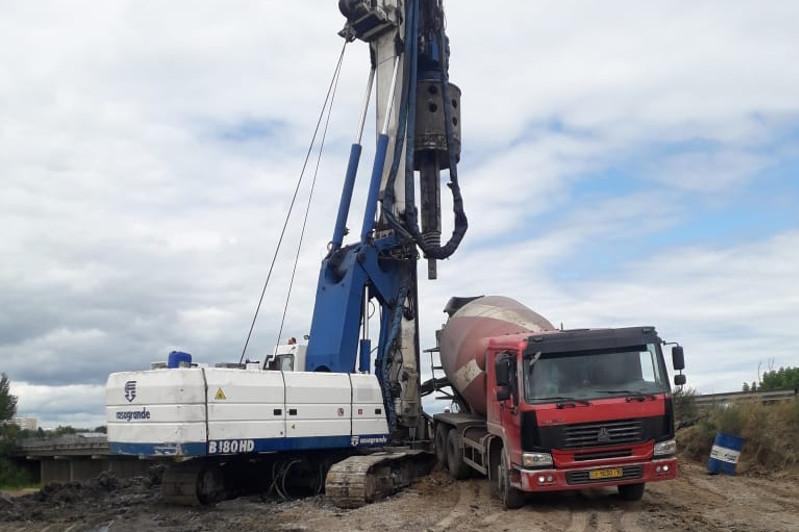 Строительство автомобильного моста проверили в Костанайской области
