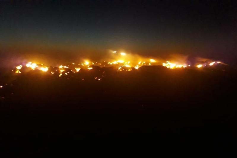 Из-за удара молнии сгорело 11,5 тысячи га сухой травы в Атырауской области