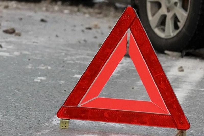 Водитель грузовика сбил двоих мужчин и скрылся в Туркестанской области