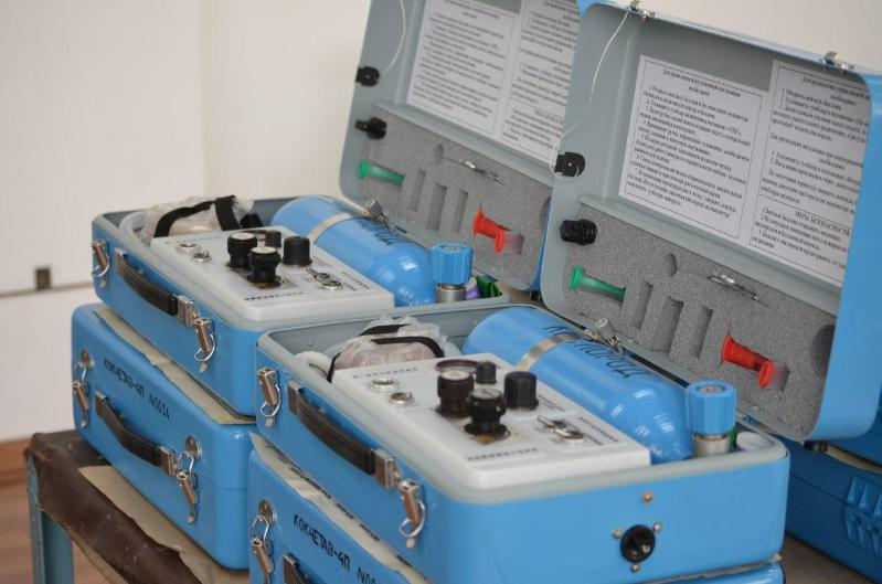Tynys JSC donates lung ventilators to Maktaaral district