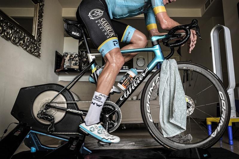 Велокоманда «Астана» досрочно снялась с виртуальной гонки «Тур де Франс»