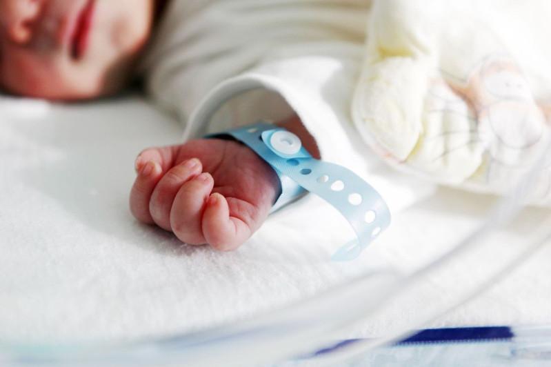 10-дневный ребенок вылечился от коронавируса в Алматы