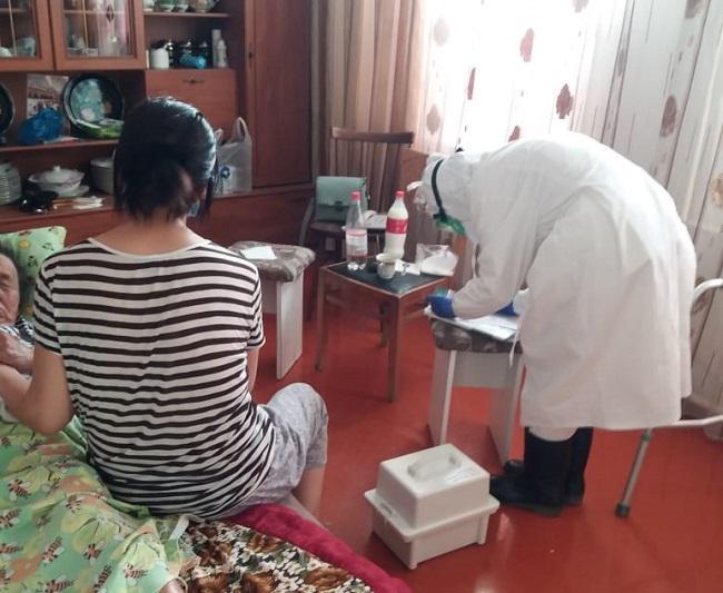 214 выездных мобильных групп для помощи больным COVID-19 действуют в Жамбылской области