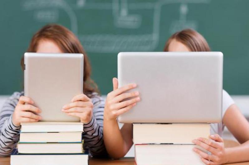 Онлайн-обучение: со столичными учителями поделятся опытом профессора Кембриджского университета