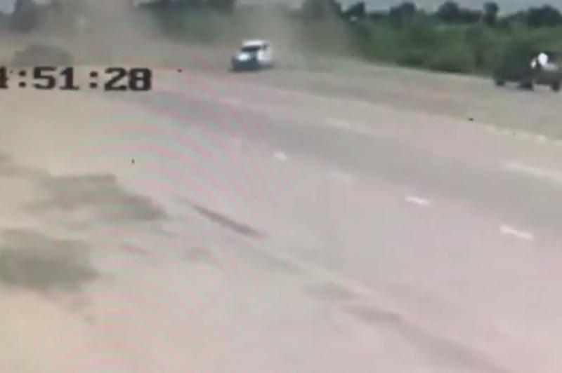 Қостанайда полиция көлігімен болған жол апатының видеосы жарияланды