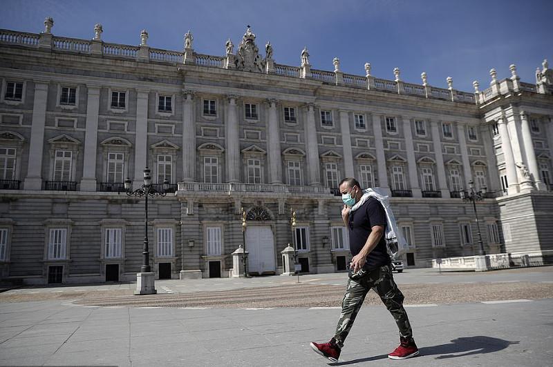 Тотальный масочный режим ввели в Мадриде
