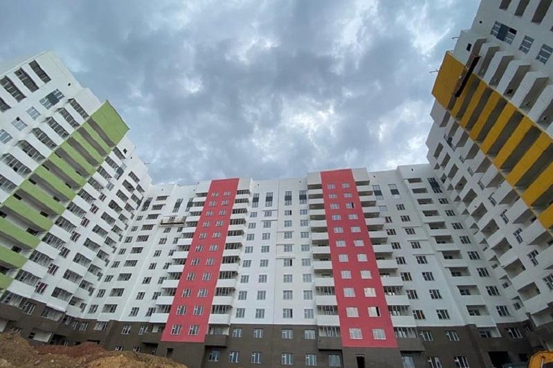 Почти 8 тысяч дольщиков смогут заехать в свои квартиры в 2020 году - Алтай Кульгинов