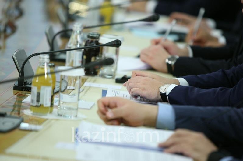 疫情防控委员会向各州下达任务