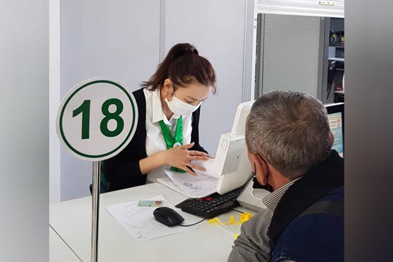 Более 3 тысяч граждан ЗКО получили госуслуги через льготное окно