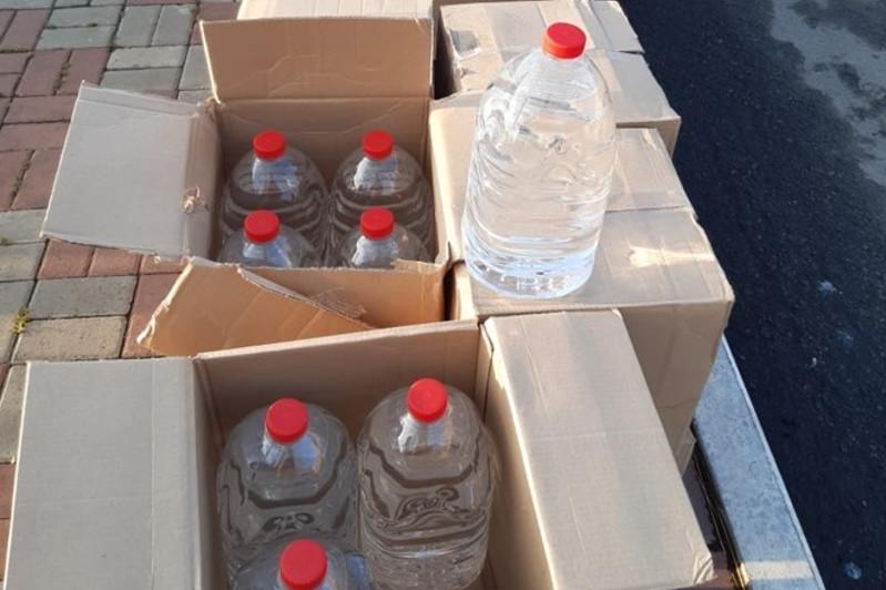 Қостанайда 1000 литр спирт сұйықтығын тасып жүрген азамат ұсталды