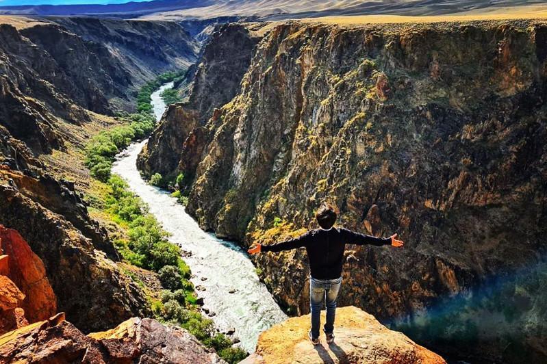 Димаш Кудайберген выпустил новый клип на казахском языке