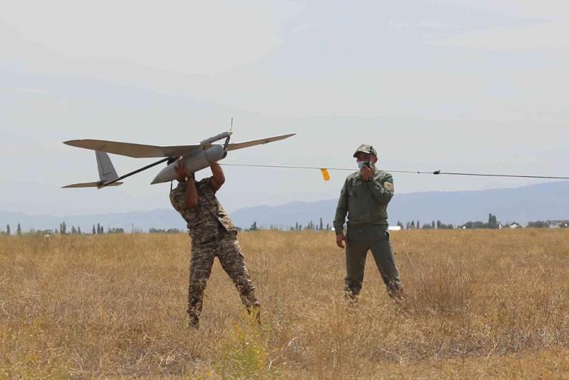 Будущие офицеры Казахстана приступили к первым самостоятельным полетам на беспилотниках