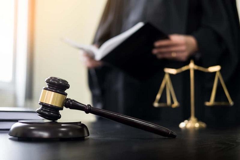 Судью приговорили к четырем годам тюрьмы за взяткув Алматы