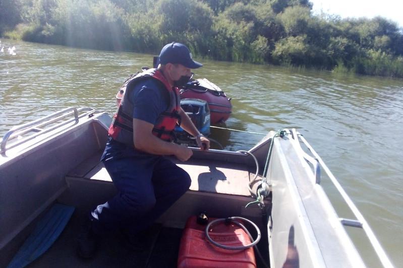 Родители с четырехлетним ребенком едва не погибли на реке в СКО
