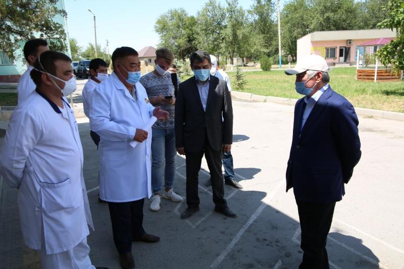 Работу провизорного стационара в Байзакском районе проинспектировал Бердибек Сапарбаев