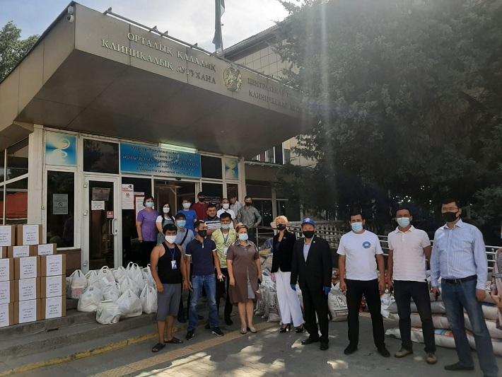 «Мың алғыс!»: АНК оказала помощь семьям медработников в Алматы