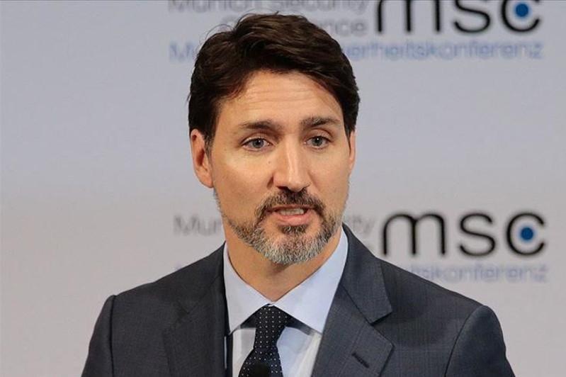 Canada introduces virus fighting smartphone app