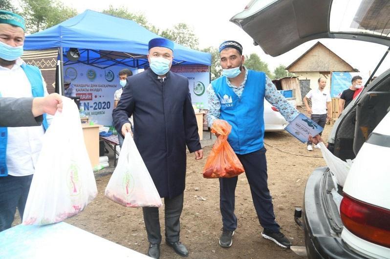 30 715 семей получили жертвенное мясо от ДУМК