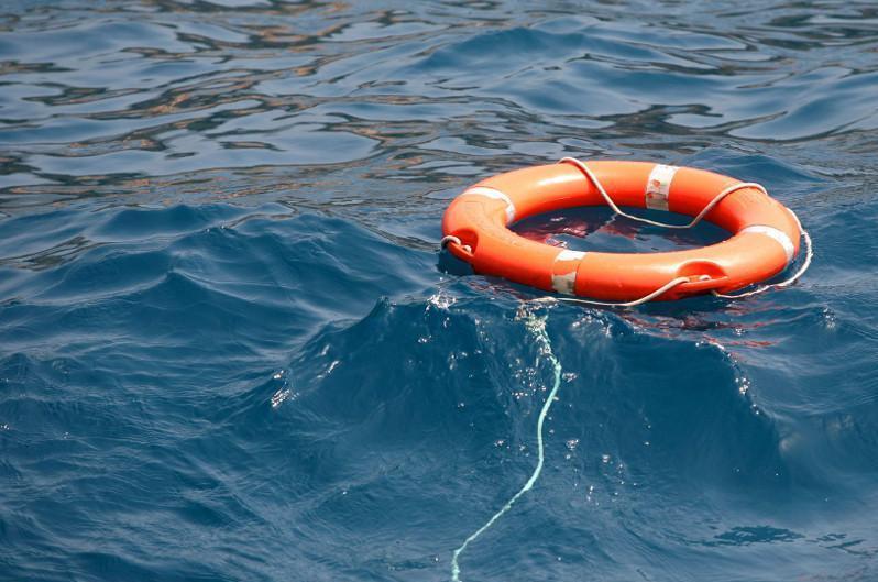 Молодые люди пыталась переплыть озеро в ВКО, один из них утонул