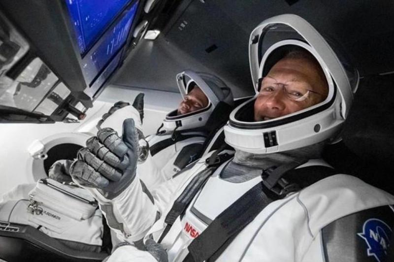 Crew Dragon ғарыш кемесінің  астронавтары бүгін түнде жерге оралады