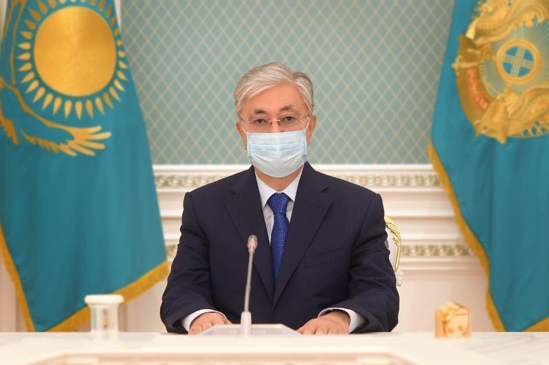 Президент Жақсылық Үшкемпіровтің отбасына көңіл айтты