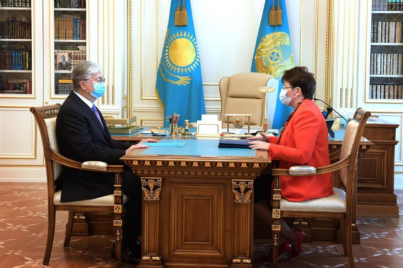 President receives chairwoman of Accounts Committee for Control over the National Budget Utilization