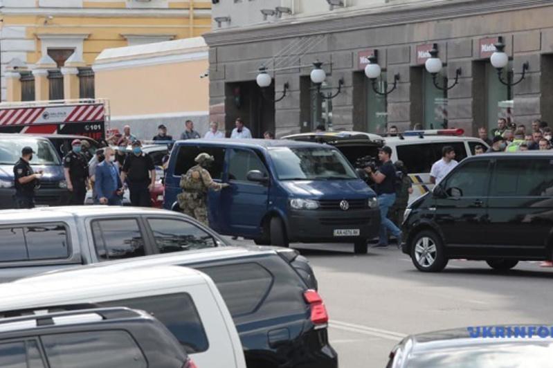 Спецназ задержал захватчика банка в Киеве