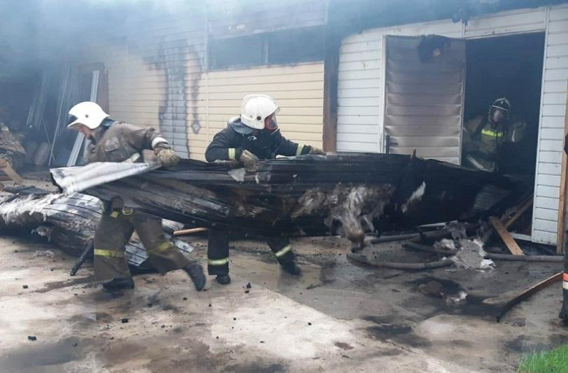 Мебельный цех сгорел в Таразе