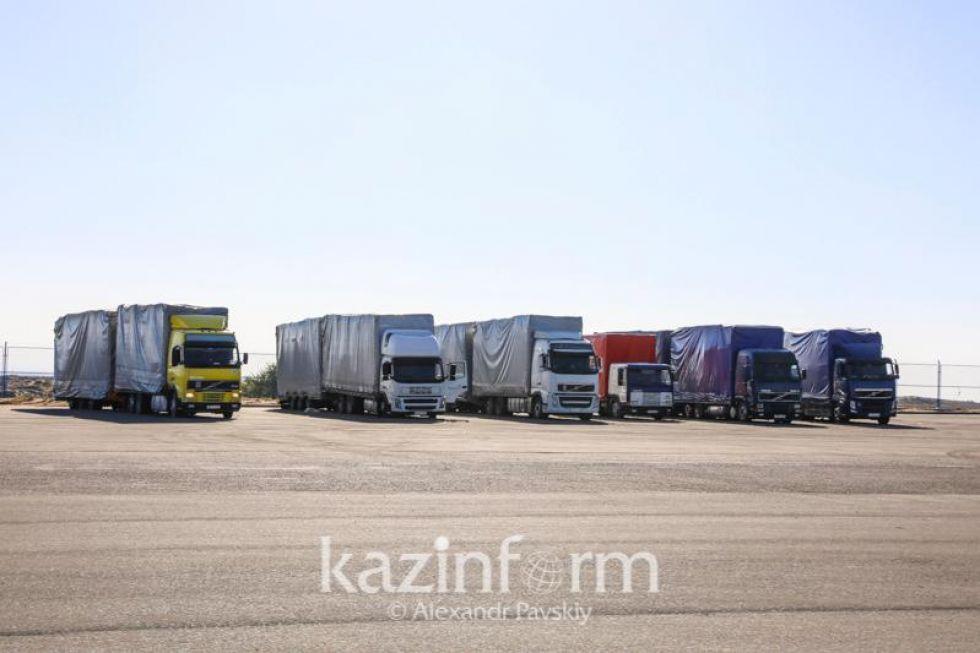 Грузоперевозки сократились на 7% за год на фоне карантина в Казахстане