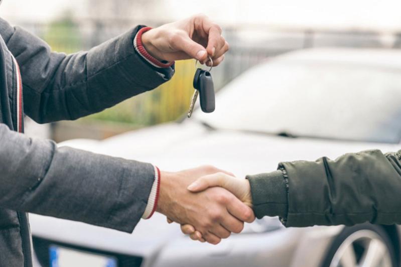 Жители Алматинской области обменивали автомобили на несуществующие земельные участки