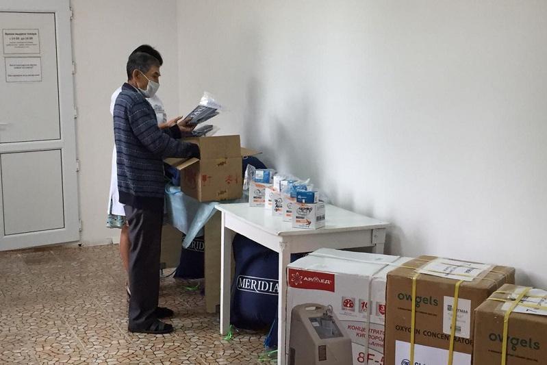 Предприниматели и меценаты передали медоборудование районной больнице в Актюбинской области