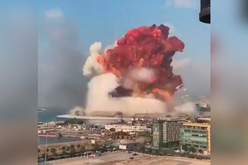 Бейрутта жойқын жарылыс болды