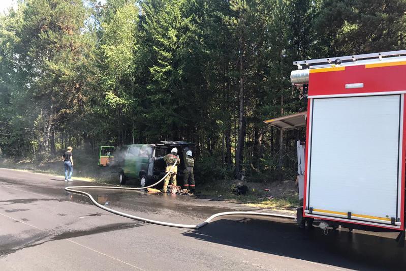 Автомобиль загорелся во время движения в ВКО