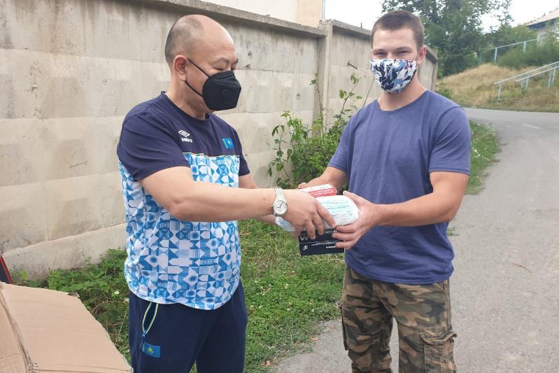 Федерация тяжелой атлетики оказывает помощь членам нацсборной