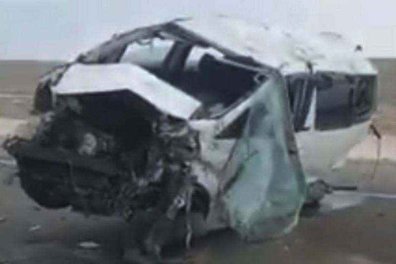 4 killed after van overturns in Mangistau