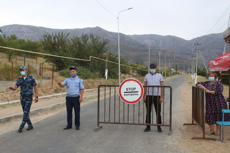 Túrkistan oblysyndaǵy demalys aımaqtarynyń mańyna blokpostar qoıyldy