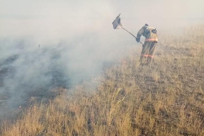 50 гектаров степи горели в ВКО