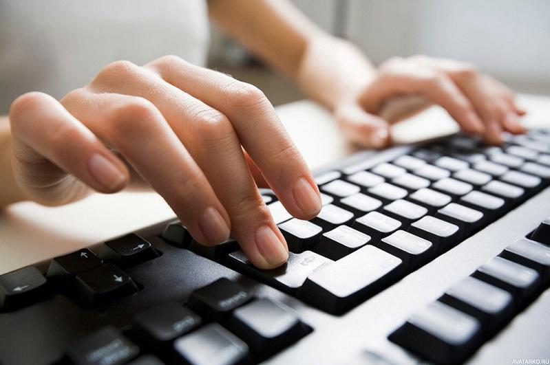 Волонтеры помогают получать госуслуги онлайн жителям СКО