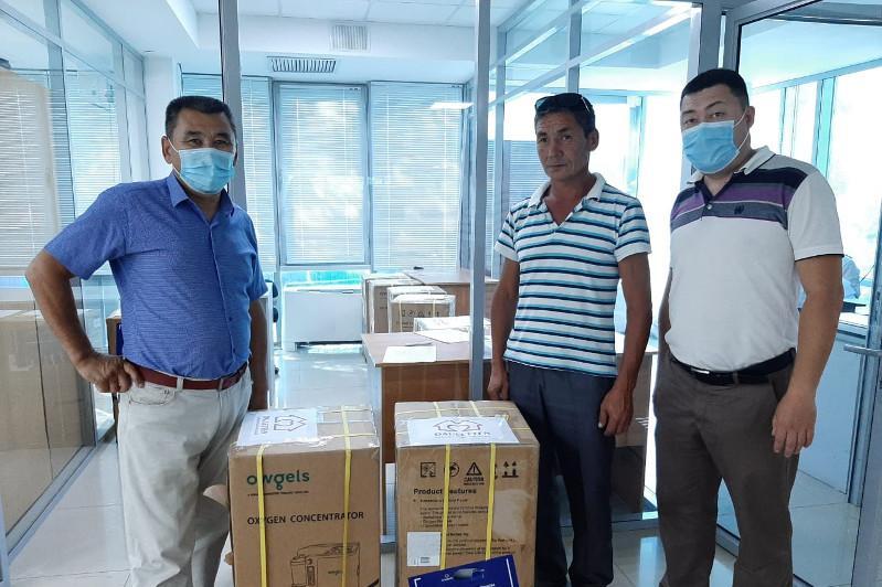 14 кислородных концентраторов переданы благотворительным фондом «Dauletten» районным больницам в ЗКО