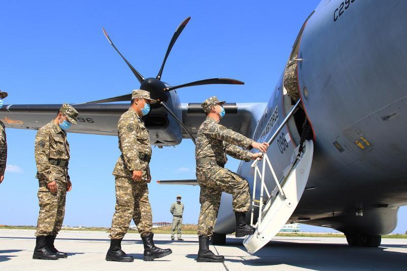 Казахстанские военные медики вылетели в Ливан для оказания помощи пострадавшим