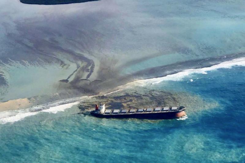 Маврикийде мұнай төгілуіне байланысты төтенше жағдай енгізілді