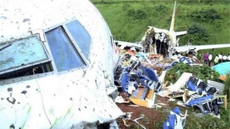 Авиакатастрофа в Индии: 18 погибших, обнаружены «черные ящики»