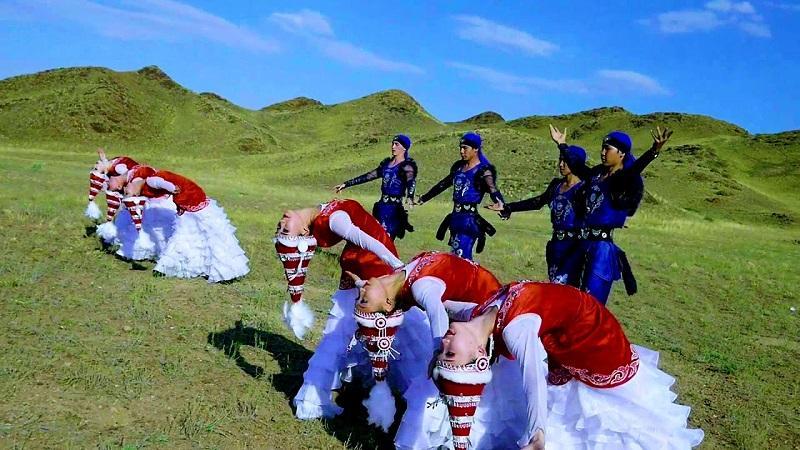 Моңғолия қазақтары «Қара жорға» биінен челлендж бастады