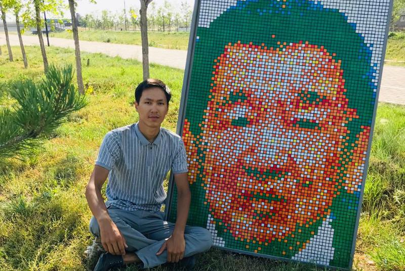 Елордалық өнерпаз кубик рубиктен Жақсылық Үшкемпіровтің портретін жасады